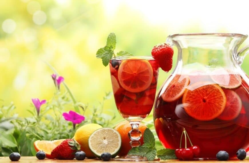 Gin Sangria: the best of both worlds